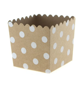 Kraft with White Large Dot Scallop Favour Box